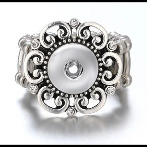 NEW Vintage Look Silver Plated Snap Button Ring.